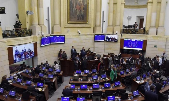 Senado cita debate por asesinato de candidatos de las elecciones regionales