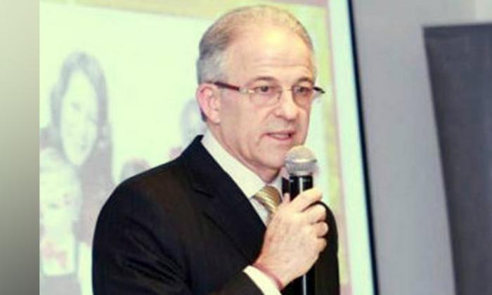 Fiscalía imputó cargos al empresario Leo Einsenband