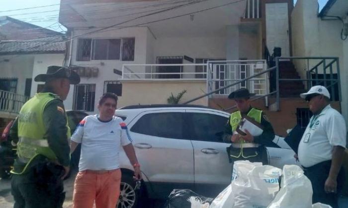 Uniformados de la Policía visitaron la vivienda del ciudadano para imponerle el comparendo.