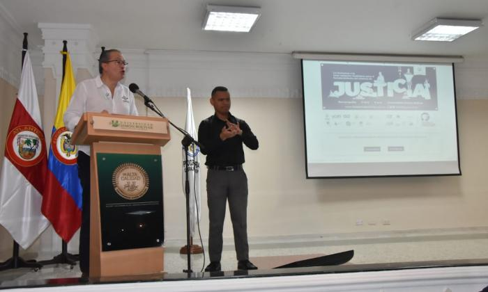 El procurador general de la Nación, Fernando Carrillo, durante su intervención en la consulta ciudadana que se realizó este viernes en la Universidad Simón Bolívar.