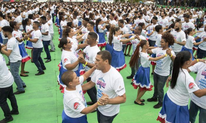 El récord fue alcanzado en la Plaza España de la Zona Colonial de Santo Domingo.