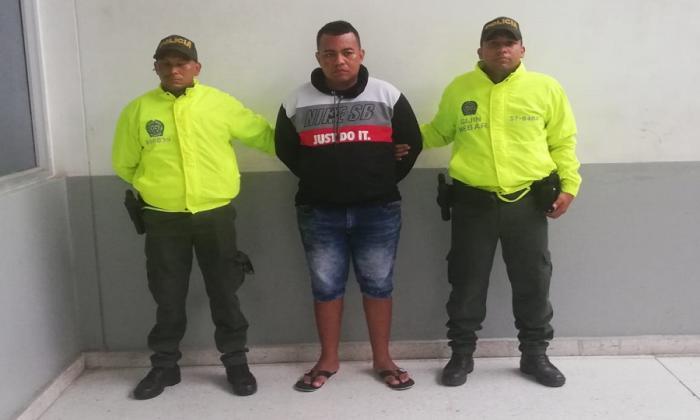 En video | capturan a hombre por robo en restaurante en El Prado