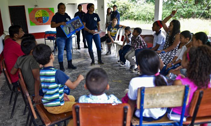 En video   Los hijos de la paz en Colombia que aprenden sobre desminado de campos