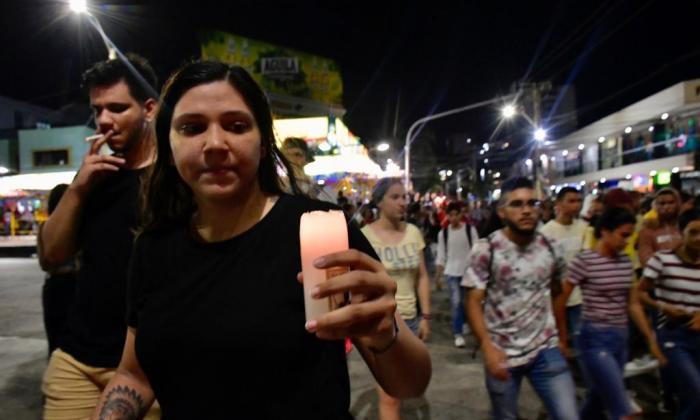 Realizan 'velatón' y marcha en el norte de Barranquilla