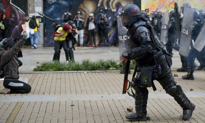 Policía reporta que 341 uniformados fueron lesionados durante marchas en el país