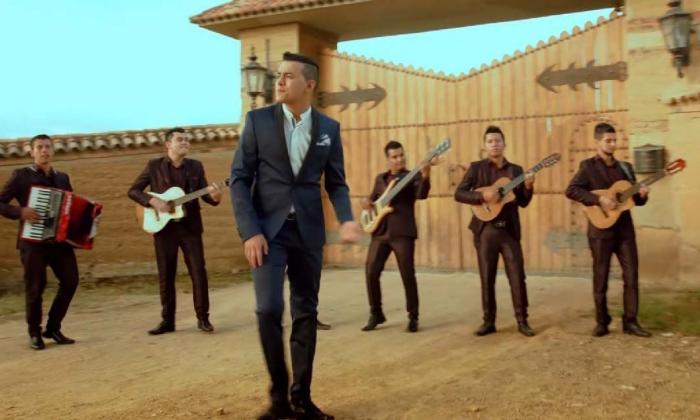 Toma del video 'La última farra'. El tema aparece en su nuevo álbum.