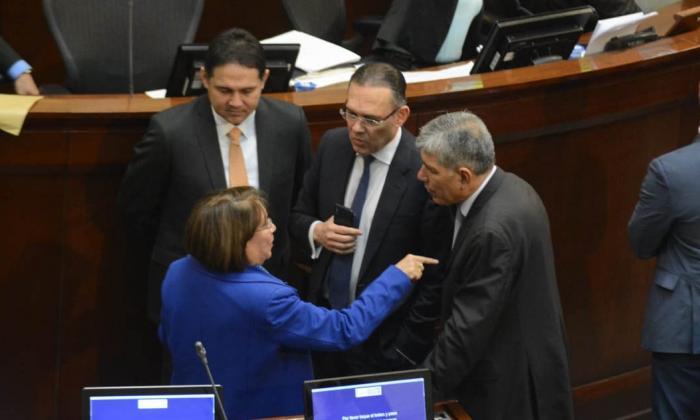 Plenaria de Senado aprobó en bloque 94 de los 152 artículos de la reforma tributaria