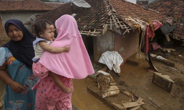 Las inundaciones en Indonesia dejan 30 muertos
