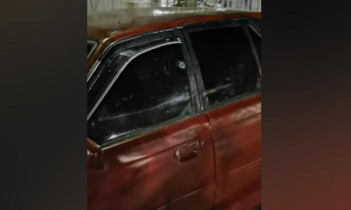 De cuatro disparos hieren a un hombre en Los Robles