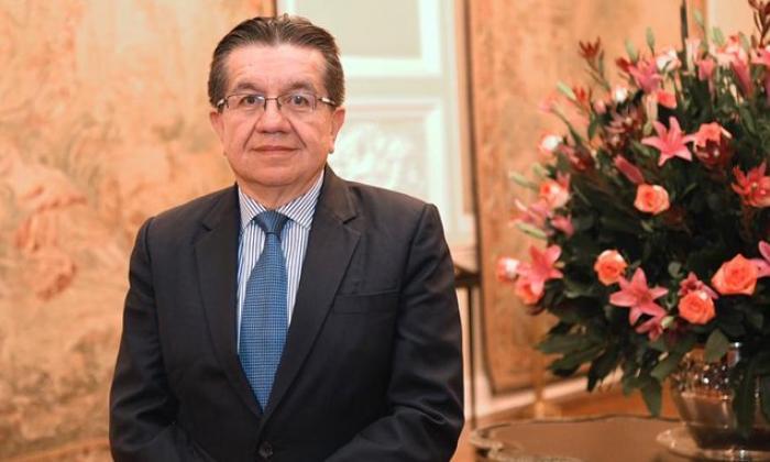 Duque designa al médico cirujano Fernando Ruiz Gómez como nuevo Minsalud