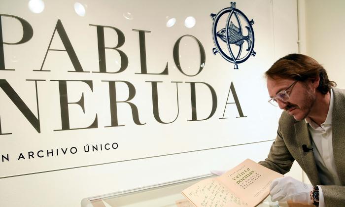 Galería subastará  archivo sobre Pablo Neruda