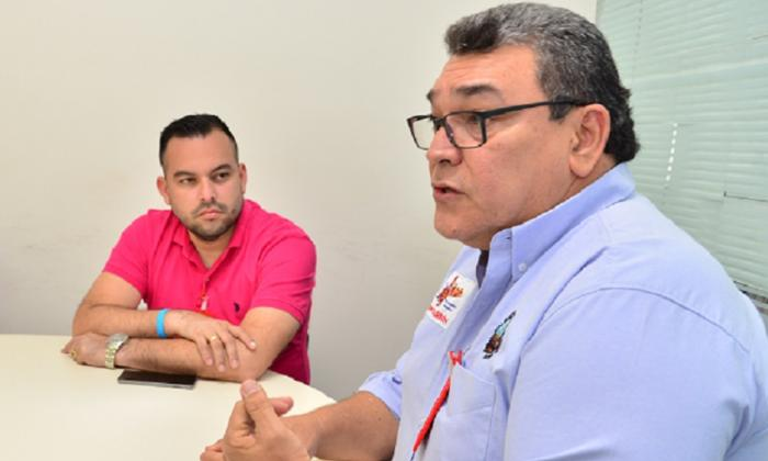 Edwin Mejía Ejea, miembro de la Unión Sindical Obrera de la Industria del Petróleo, e Igor Díaz López, presidente de Sintracarbón.