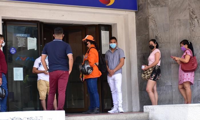 Denuncian costos que paga Gobierno por entrega de Ingreso Solidario