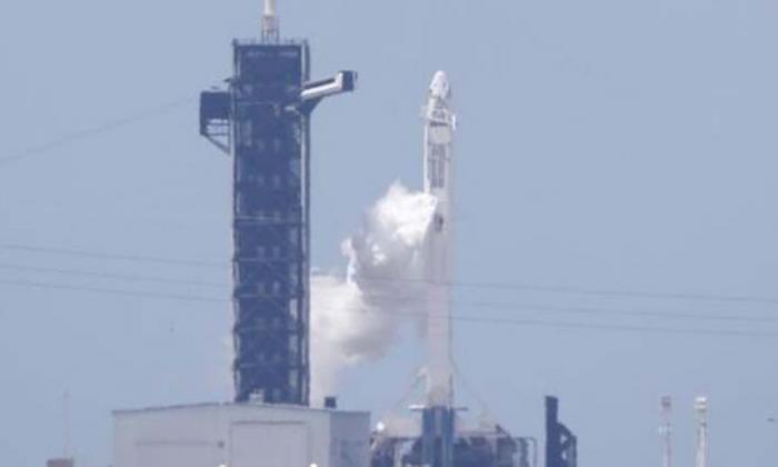 En video   Despega con éxito el primer vuelo espacial privado a la EEI