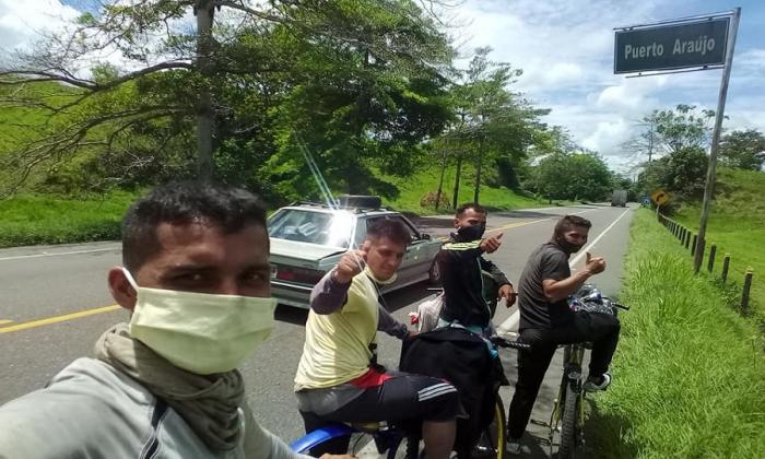 A pie y en cicla, 3 hermanos viajaron de Perú al Cesar