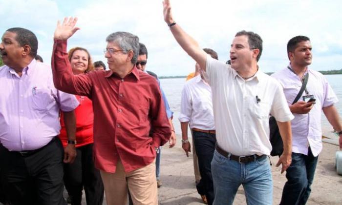 """""""Confío en su inocencia"""": César Gaviria defiende al gobernador de Antioquia"""
