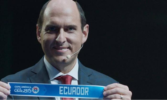 Andrés Parra en su personaje de Sergio Jadue, protagonista de la serie El Presidente.