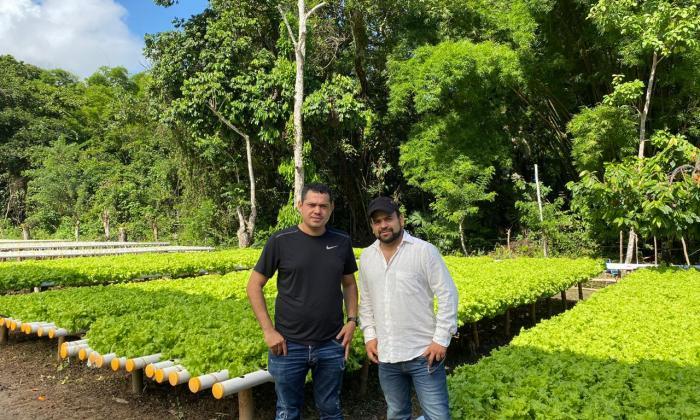 El samario Emanuel José Ibarra y el barranquillero Jonathan Rojas impulsan el proyecto en Minca.