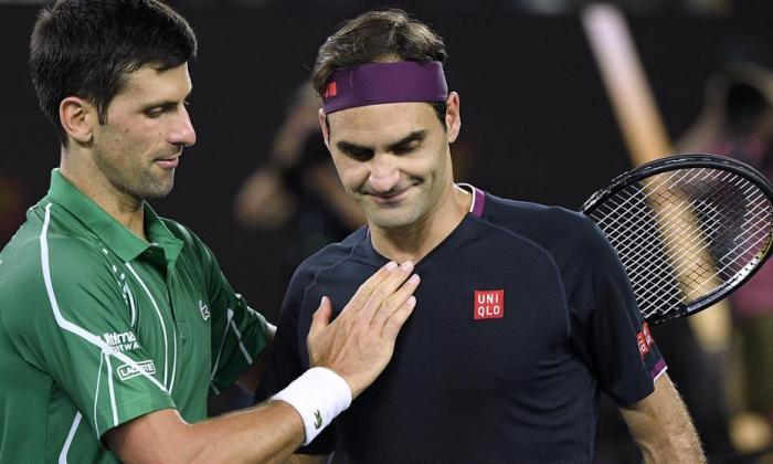 Novak Djokovic junto a Roger Federer.