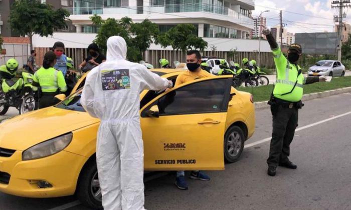La Policía realiza operativos de seguridad en los diferentes barrios del área metropolitana.