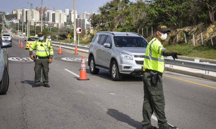 Policía refuerza los controles viales para evitar los paseos