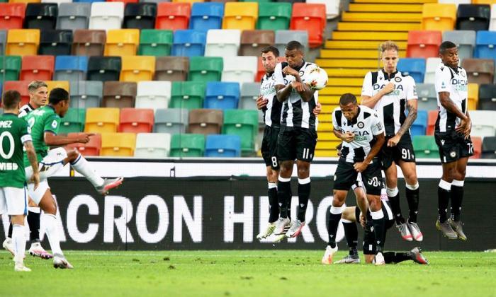 El golazo de tiro libre de Luis Fernando Muriel contra Udinse. El delantero tomasino le pegó perfectamente al balón.