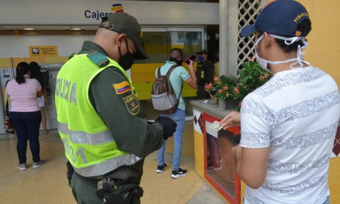 En video   Policía de Cartagena extrema medidas por día sin IVA