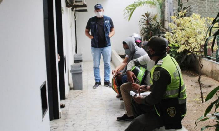 Sorprenden a 14 personas en un motel de Siete de Abril