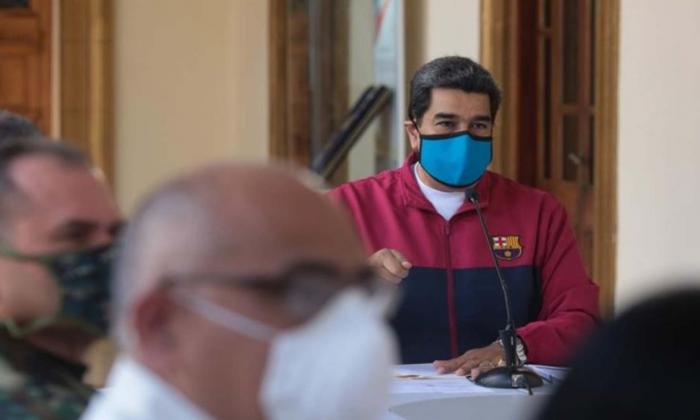 """Maduro dice que Venezuela sufre """"una invasión"""" de coronavirus desde Colombia"""