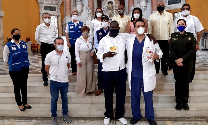 Acto de perdón en Cartagena a médico agredido por familiar de paciente