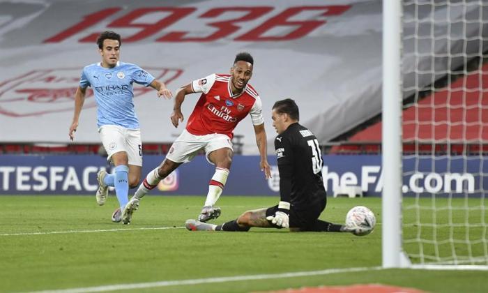 Arsenal da el golpe al eliminar Manchester City de la FA Cup