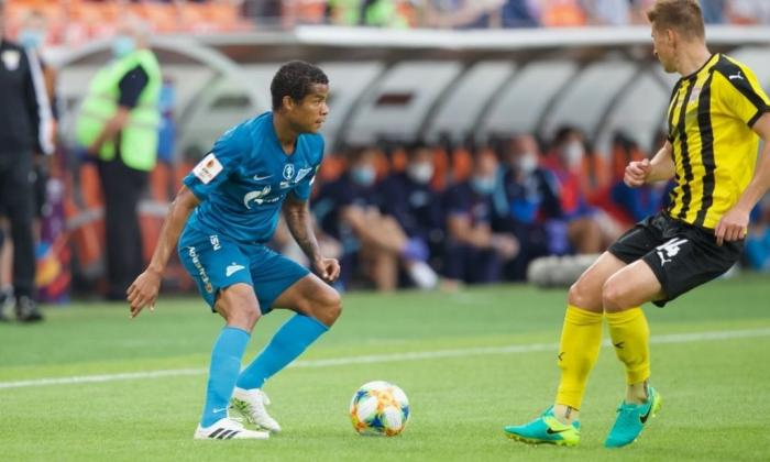 En video   Zenit, con Wilmar Barrios, levanta la Copa rota
