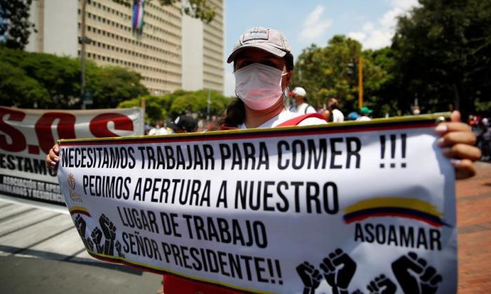 Gremio de moteles de Colombia protesta para exigir la reapertura del sector