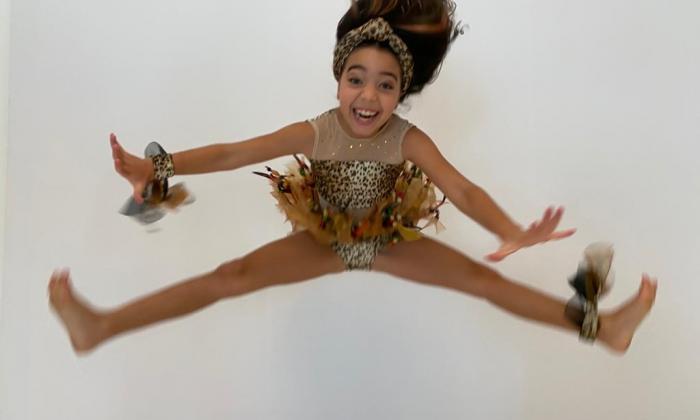 Victoria Char, de 9 años, ganó bailando mapalé.