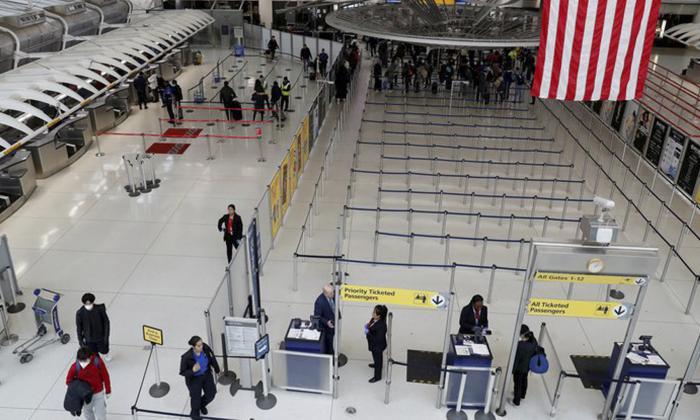 EE.UU. retira su alerta de viajes internacionales