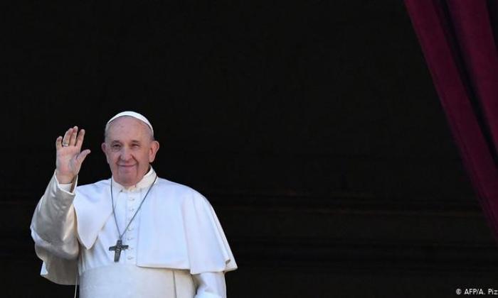 """El papa pide al mundo una  """"generosa ayuda"""" para el Líbano"""