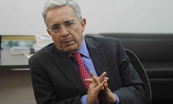 Defensa de Uribe pide intervención de la justicia americana