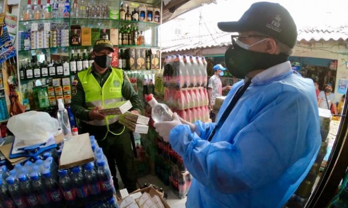En video   Cae caleta de cigarrillos  y licor de contrabando en  Bazurto