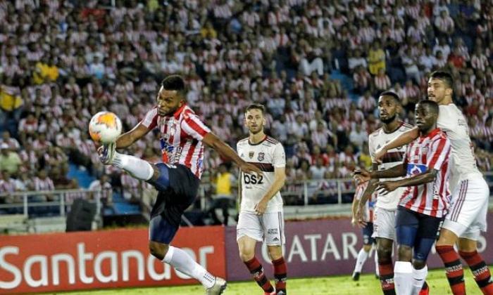 Imagen del duelo de Junior y Flamengo por Copa Libertadores.