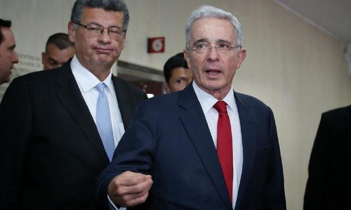 Álvaro Uribe insiste en su carta de renuncia en una reforma a la Justicia.