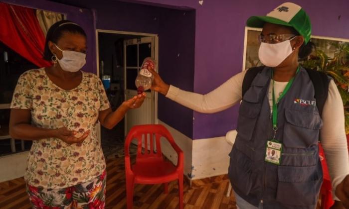 El programa Barrio Heroico, que lleva pedagogía y capacitación sobre los protocolos de sanidad y una unidad para toma de muestras, se cumplió este fin de semana en Punta Arena.