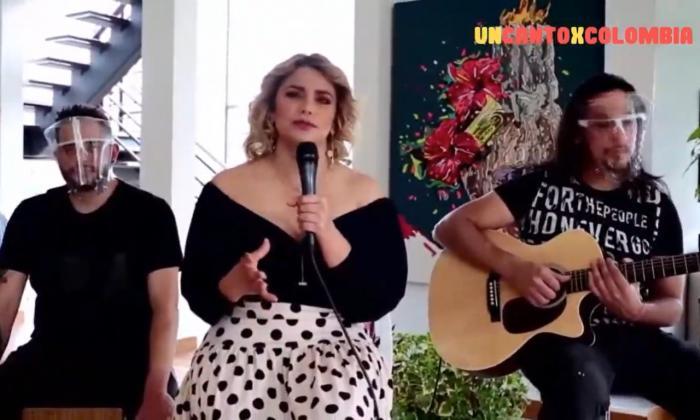 Adriana Lucía ha sido una de las artistas abanderadas de la iniciativa. La artista interpretó el tema 'Para hablar de amor'.