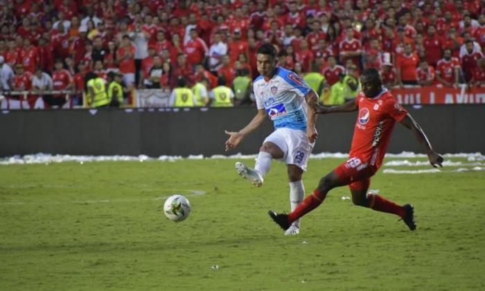 Junior y América se enfrentaron en la última final de la Liga, con saldo favorable para los 'Diablos Rojos'. Los Tiburones lograron el título en el primer semestre al imponerse al Deportivo Pasto.