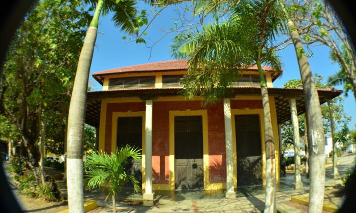 La Estación del Ferrocarril está ubicada en el municipio de Puerto Colombia y es Patrimonio Cultural.