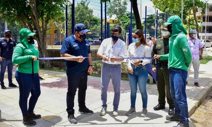 Alcalde Pumarejo entrega parque y cancha en la Ciudadela 20 de Julio