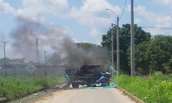 Explota carro presuntamente cargado de explosivos en Arauquita