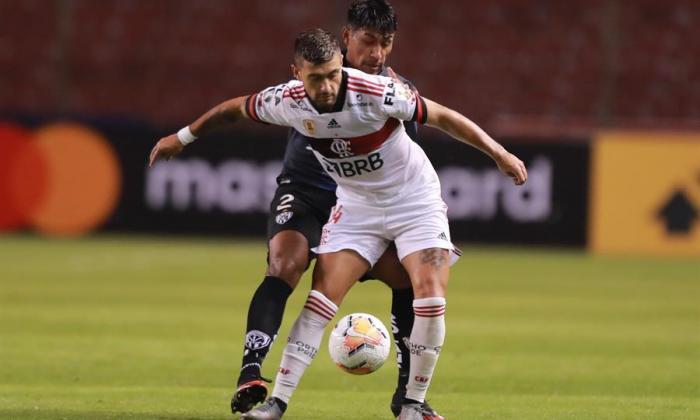 Flamengo, con casos de Covid-19 y sin entrenar, busca ganar en Libertadores