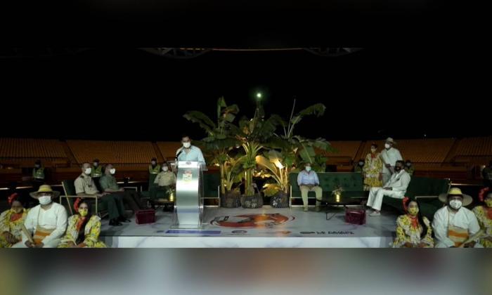 Alcalde de Valledupar en el evento de inauguración del 53° Festival de la Leyenda Vallenata.