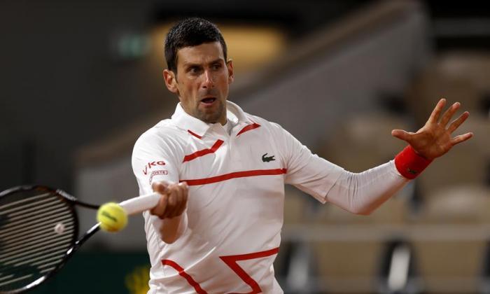 Djokovic y Tsitsipas, a la fiesta de los octavos de final en Roland Garros