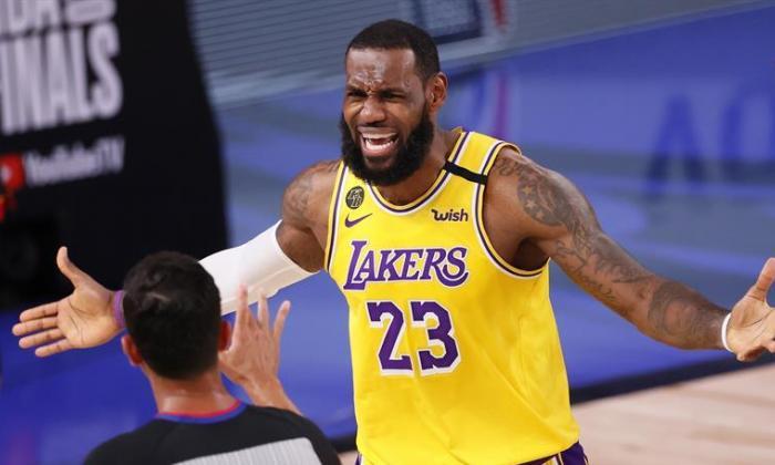 En video | Lakers 102, Heat 96: James y Davis quedan a un triunfo del título
